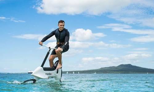 Llega la primera bicicleta eléctrica… para pedalear sobre el agua