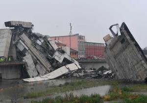 Los muertos por el derrumbe del puente en Génova ascienden a 38