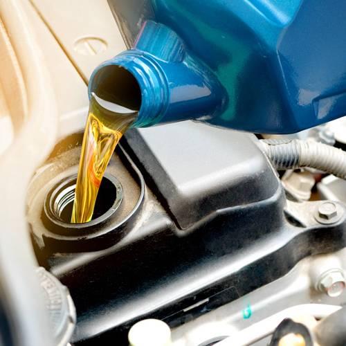 Si vas a vender tu coche, mucho cuidado con el timo del agua y el aceite