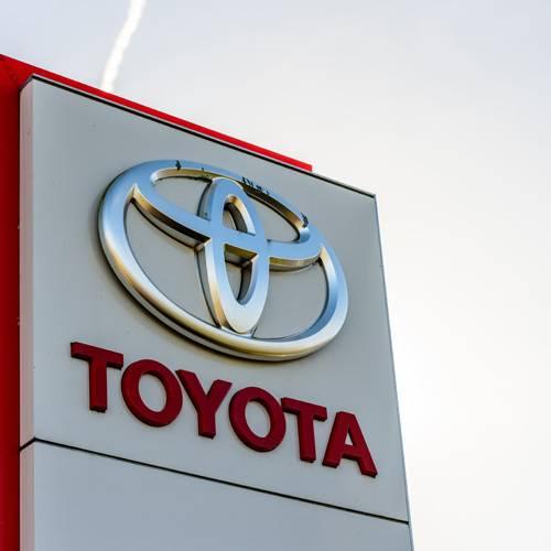 Toyota se une a Uber para crear coches autónomos