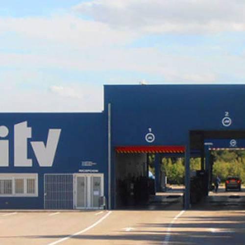 Competencia investiga varias ITV móviles por prácticas anticompetitivas