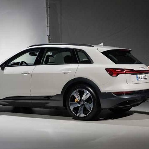 Conocemos en persona el nuevo Audi e-tron: saltan chispas