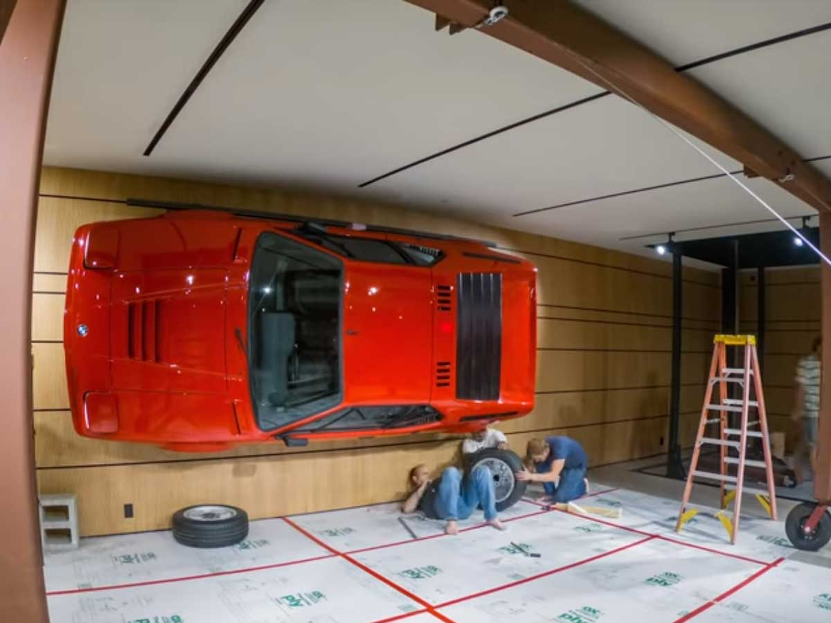 Decora una pared con un BMW M1 transformado en arte