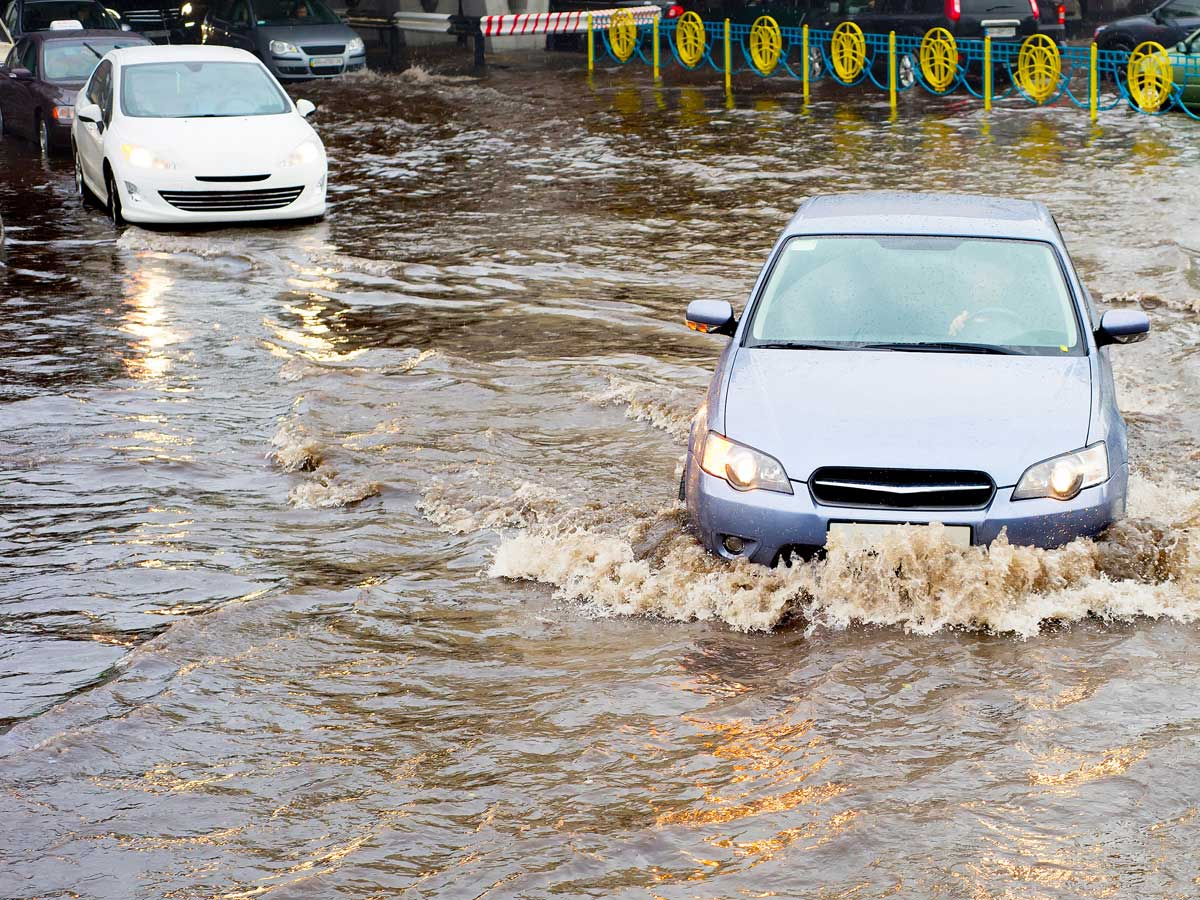 conducir en una riada