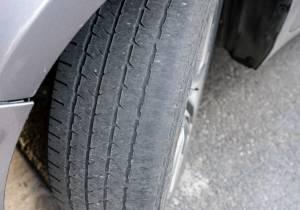 ¿Sabes interpretar qué dicen los neumáticos desgastados?