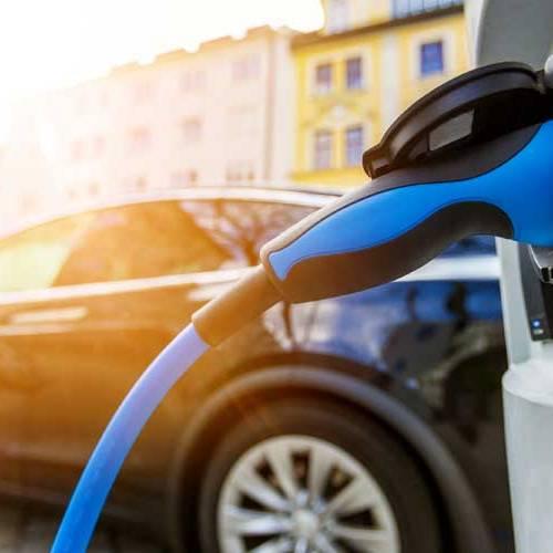 Iberdrola desplegará más de 200 estaciones de recarga rápida en las carreteras