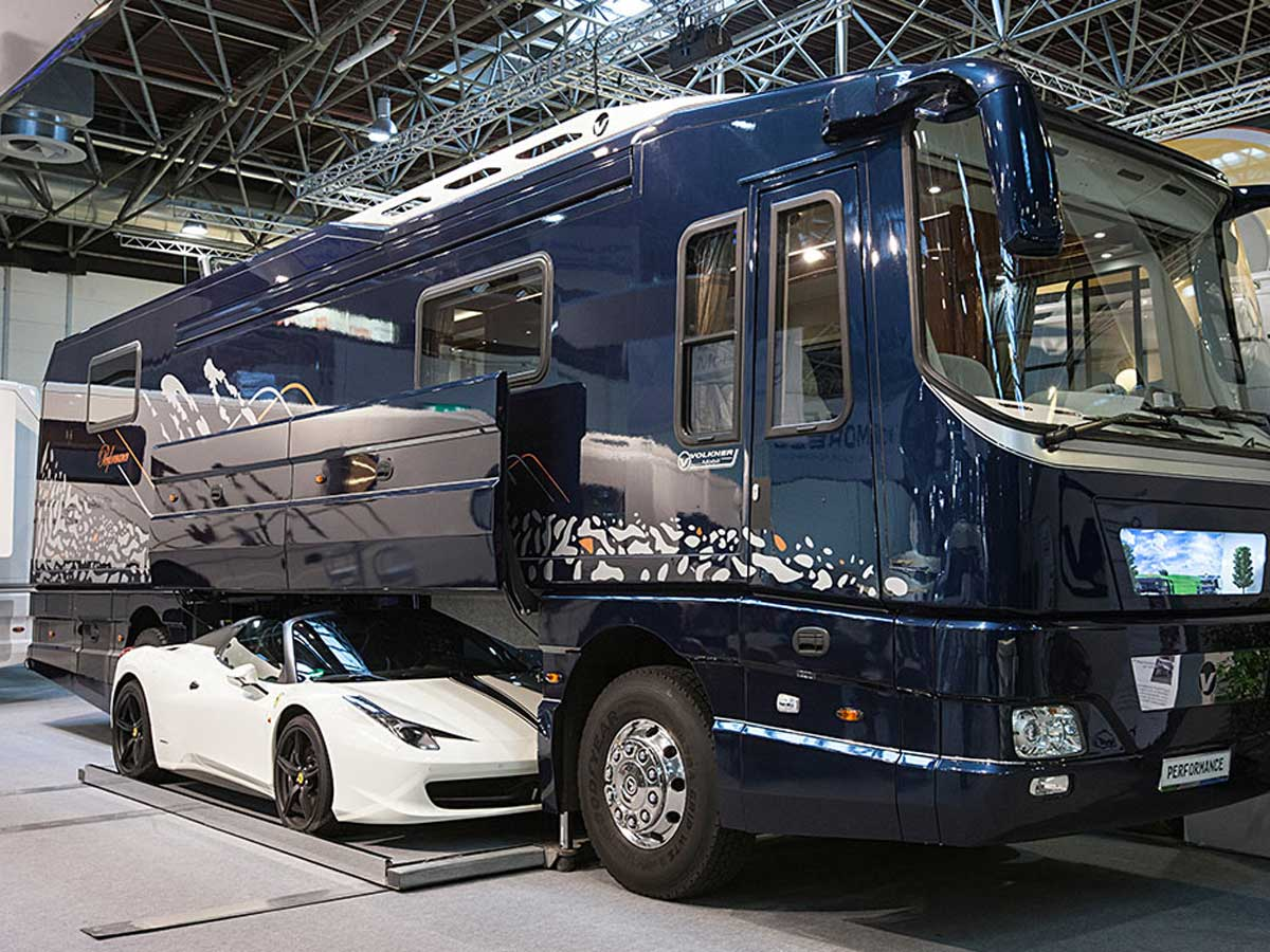 garaje de la autocaravana más cara del mundo