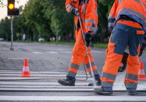 ¿Sabes cómo se pintan las señales de las carreteras?