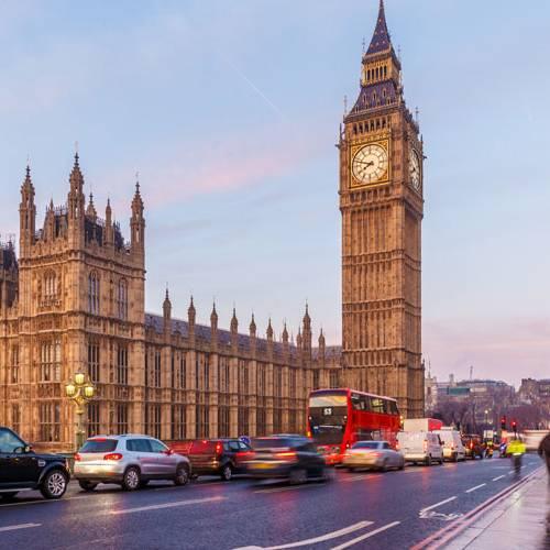 """Londres establece las primeras """"calles eléctricas"""""""