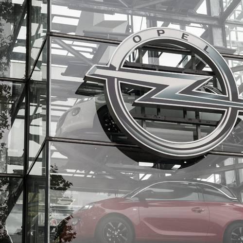 La Policía registra las oficinas de Opel por posible fraude en las emisiones