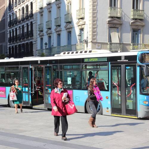 """""""Billete gris"""" de transporte público: la alternativa a las restricciones de tráfico"""