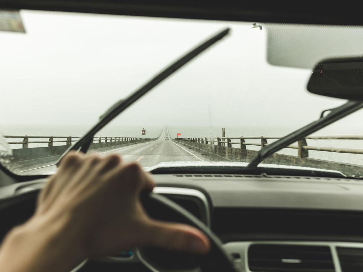 coche lluvia