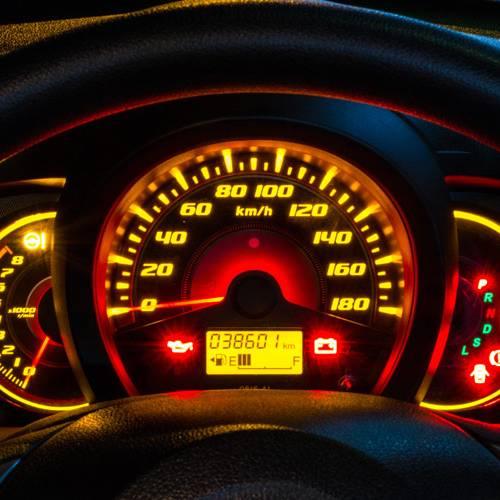 Así puedes comprobar si han manipulado el cuentakilómetros de un coche