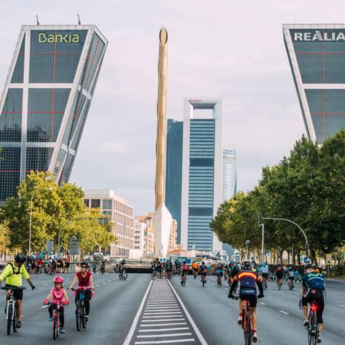 Madrid cierra su Paseo de la Castellana por la Fiesta de la Bici