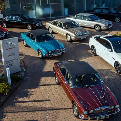 Las ocho generaciones del Jaguar XJ peregrinarán hacia el Salón de París