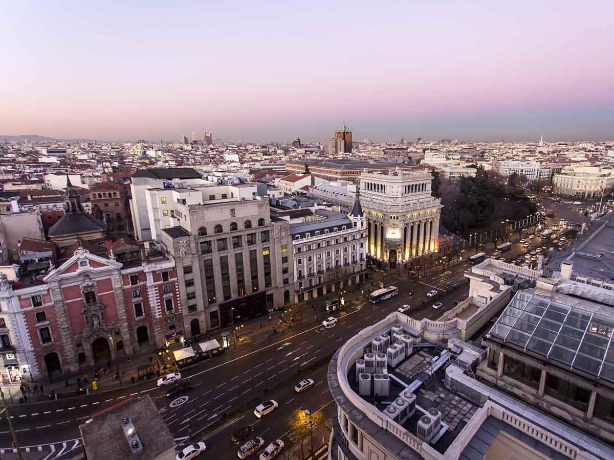 Críticas al Ayuntamiento de Madrid por bajar la velocidad a 30 km/h en la mayoría de calles