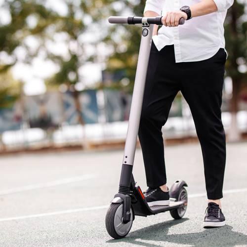 La DGT, dispuesta a regular el uso de los patinetes eléctricos