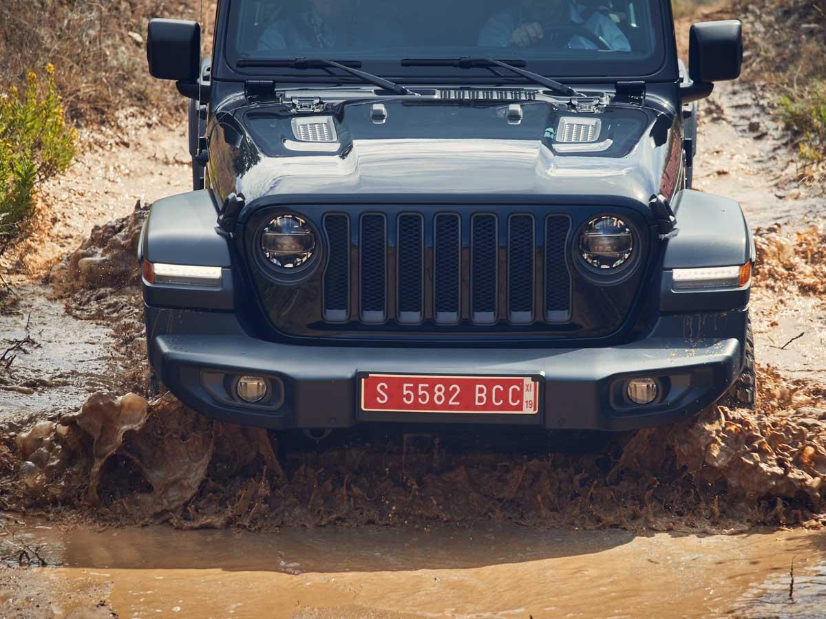 Conducimos los nuevos Jeep Renegade, Cherokee y Wrangler por condiciones extremas