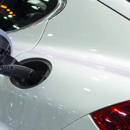 Una gasolinera intenta cobrar 40.000 euros por la recarga de un eléctrico