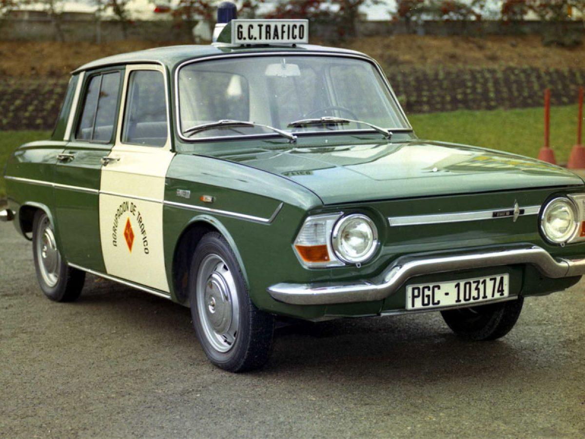 Renault 10: la historia del primer coche de la Guardia Civil ...