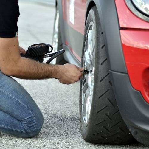 ¿Qué pasa si hinchas demasiado los neumáticos?