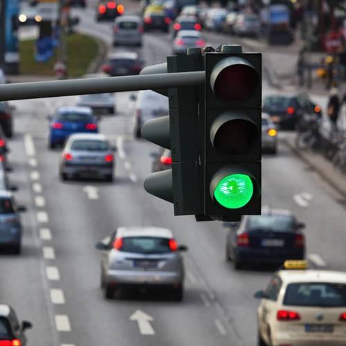 El Ayuntamiento de Madrid instala semáforos en la A5 y se desata la polémica