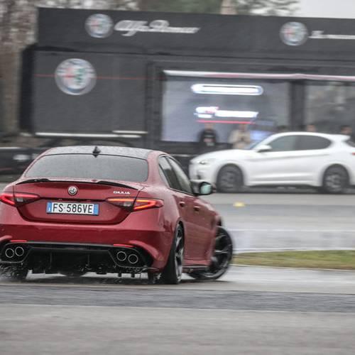 Accademia di Guida Alfa Romeo, así se aprende a domar 510 CV mientras te diviertes