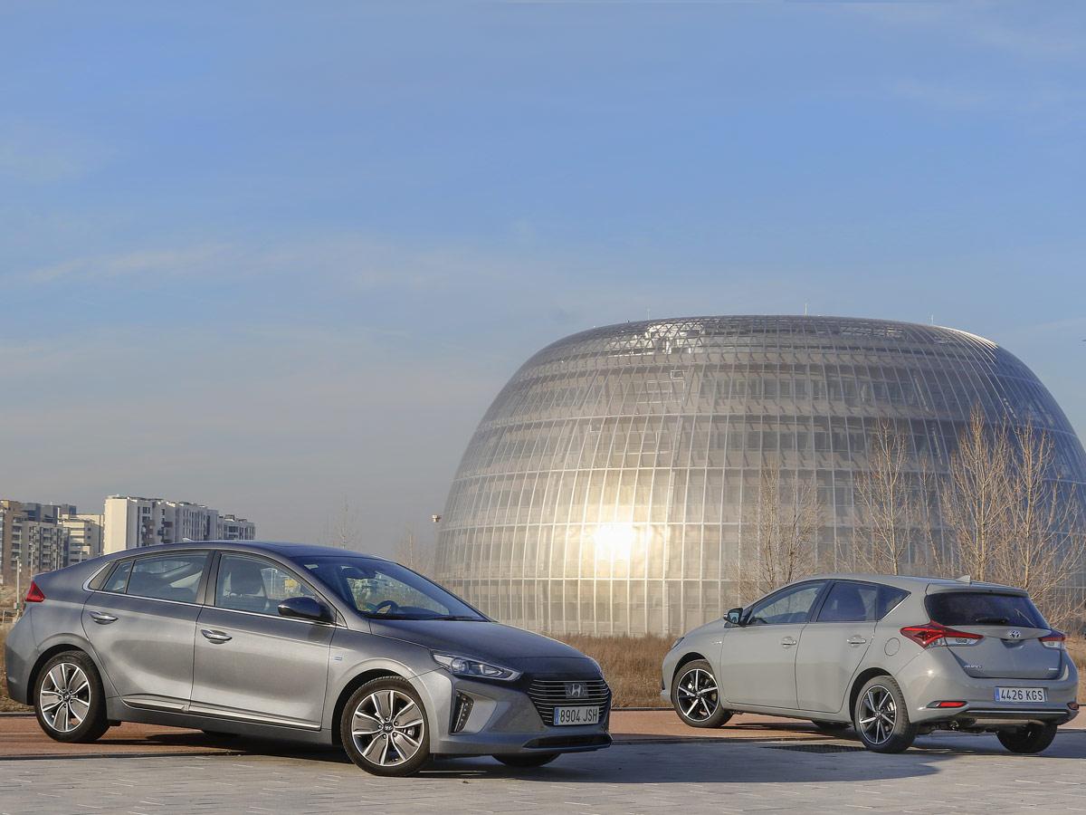 Hyundai Ioniq vs Toyota Auris