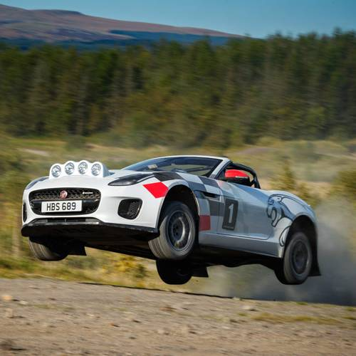Vuelta a los rallies: así el Jaguar F-Type Chequered Flag