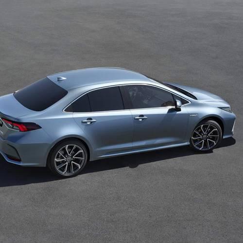 Toyota Corolla Sedan: aumenta la familia para acercarse al Avensis