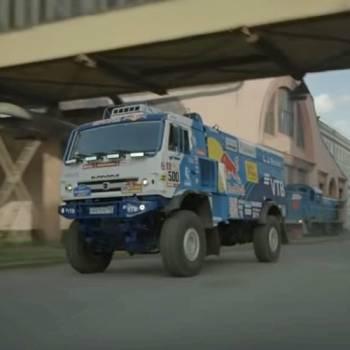Competición de drift: Mazda RX-8 vs Kamaz del Dakar, ¿cuál es más espectacular?