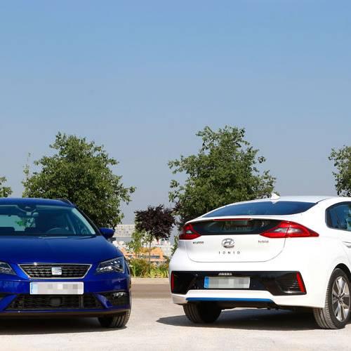 Hyundai Ioniq híbrido vs. Seat León GNC: Diferentes formas de ahorrar