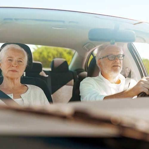 Si superas los 65 años, sigue nuestras recomendaciones para conducir