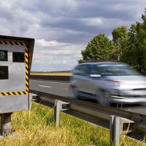 El margen de error de los radares: ¿cuánto se puede sobrepasar el límite?