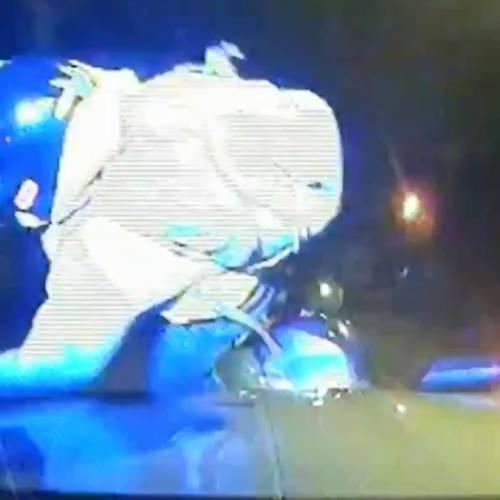 Nueva táctica de la Policía londinense: atropellar a los ladrones que huyen en moto