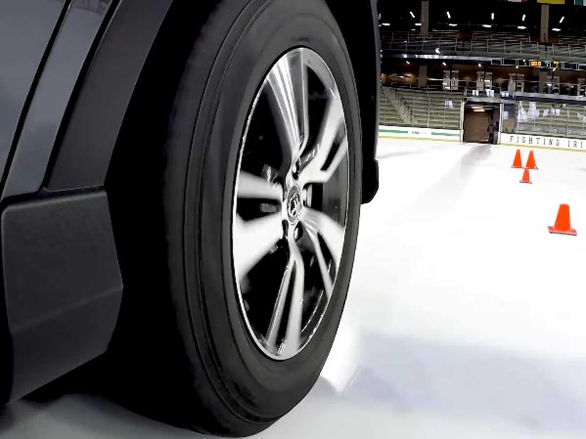 test neumáticos de invierno en hielo