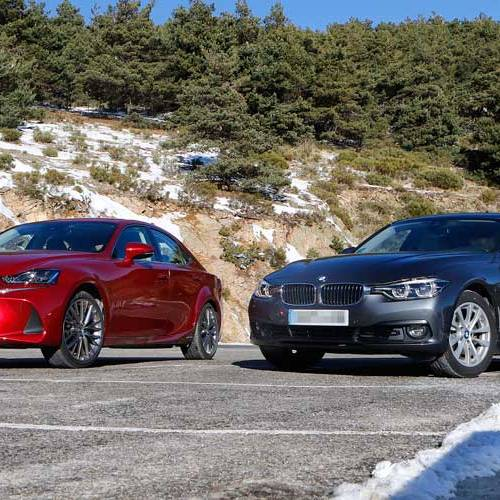 Lexus IS 300h vs. BMW 330e iPerformance: con cable o sin él