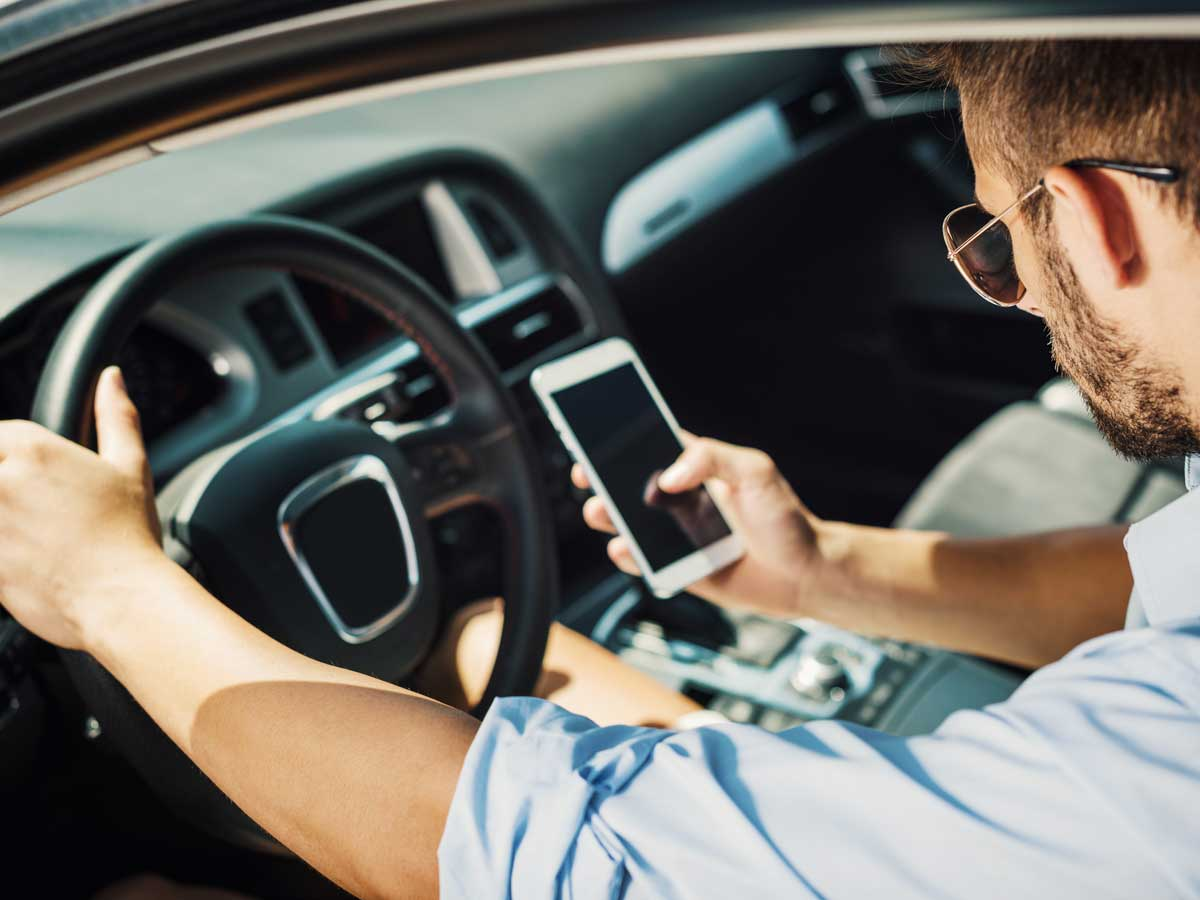 teléfono móvil coche
