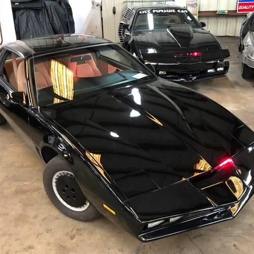 Sale a subasta Kitt, el coche fantástico, firmado por David Hasselhoff