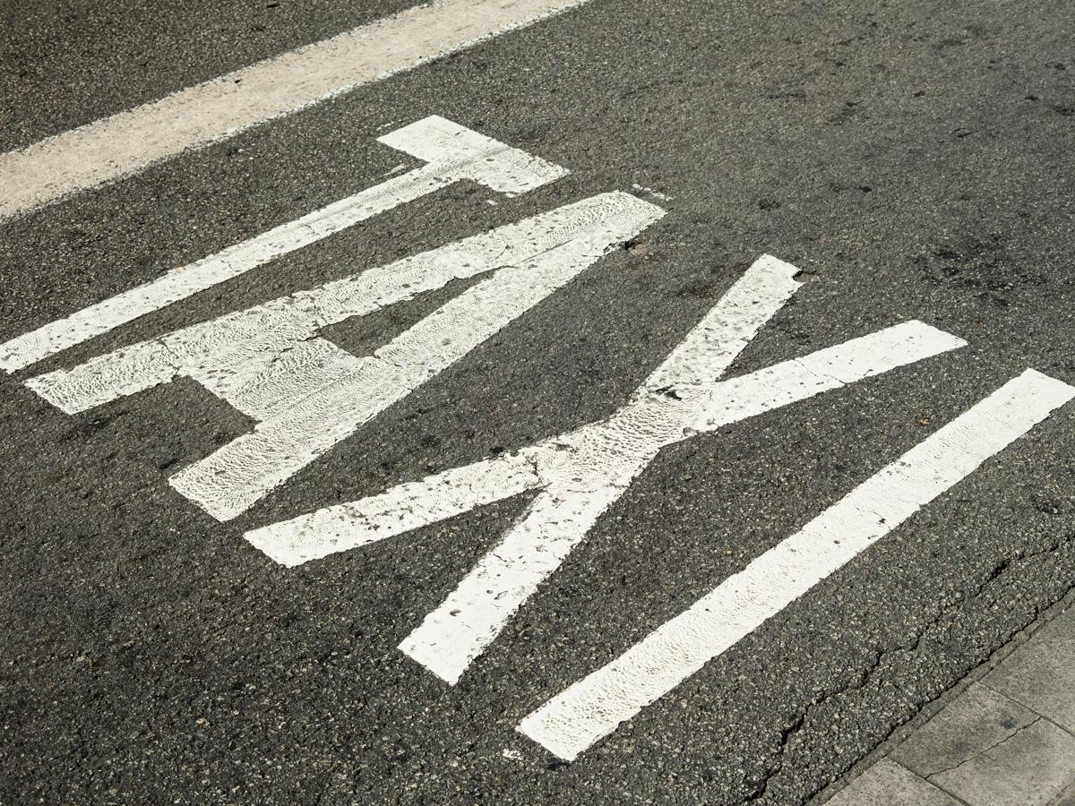 límites velocidad carril taxi