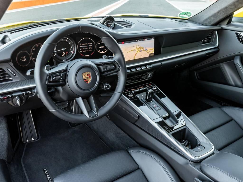 salpicadero Porsche 911 992