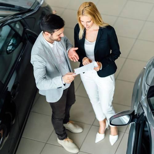¿Financiar un coche o pagarlo al contado?
