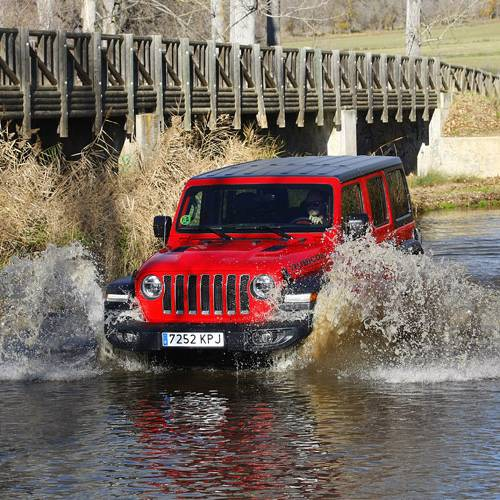 Jeep Wrangler Rubicon a prueba, viejos rockeros…