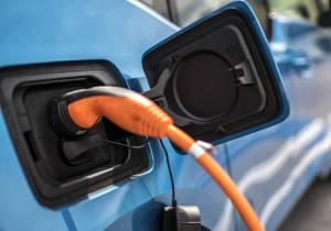 Cargadores de coches eléctricos, todos los tipos que puedes encontrar… y sus problemas