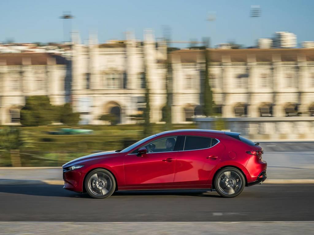 Mazda3 2019 lateral