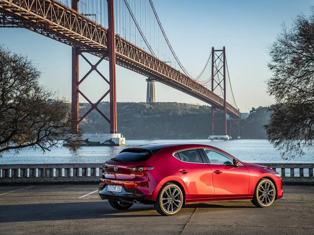 trasera Mazda3 2019
