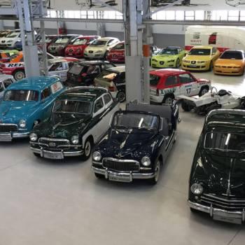 Un incendio acorrala la colección de coches históricos de SEAT