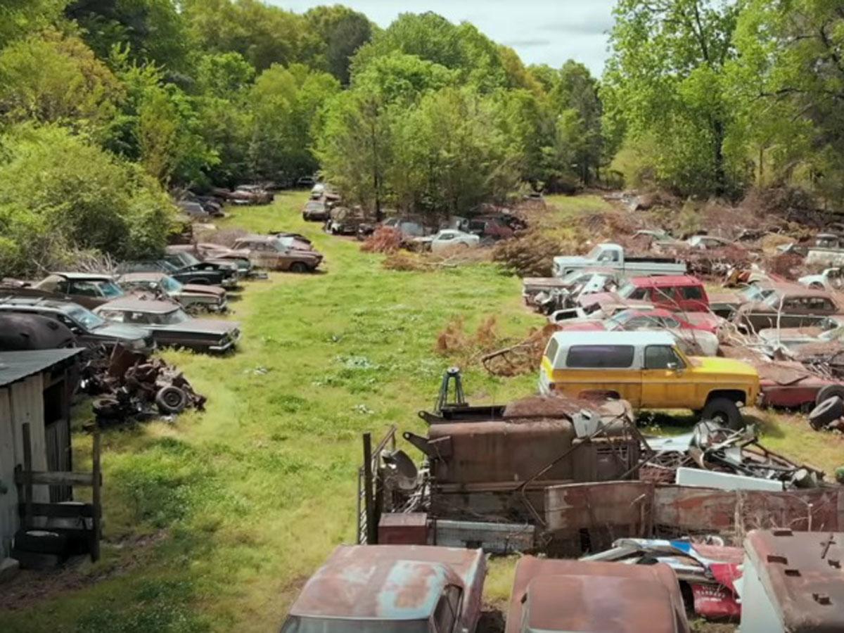 coches clásicos abandonados