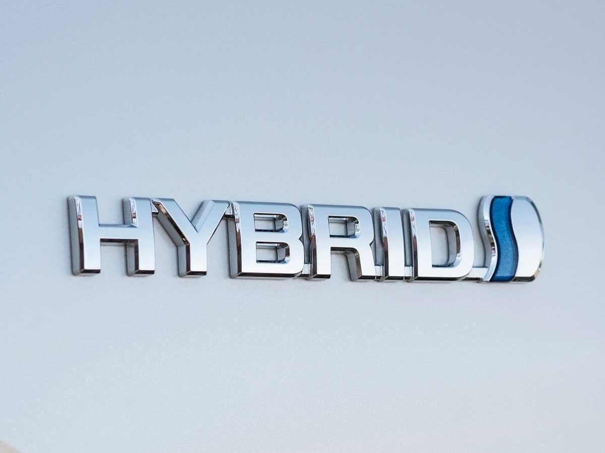 como conducir un híbrido