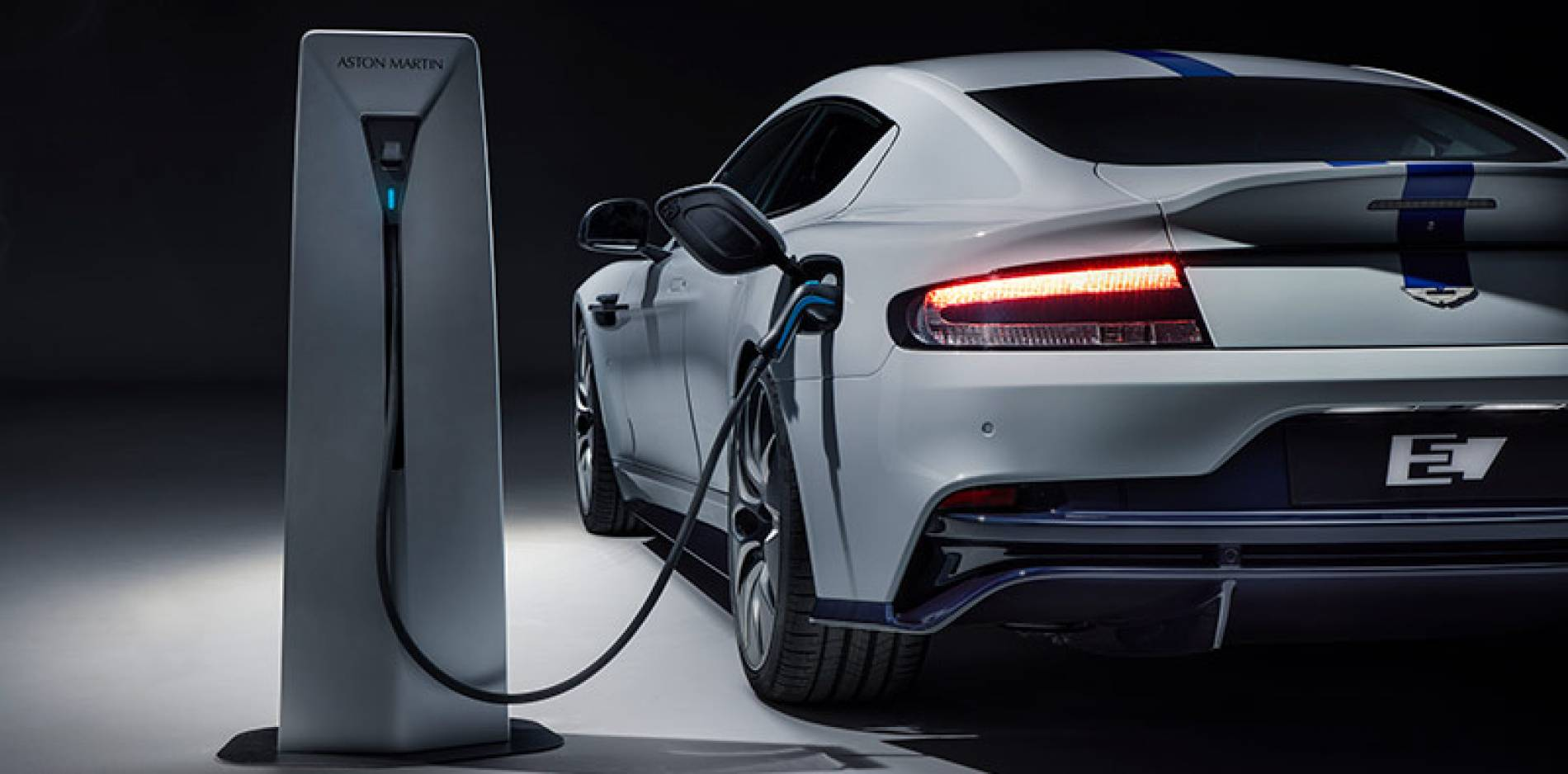 El Aston Martin Rapid E llega con una edición limitada de 155 unidades, todas eléctricas